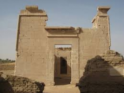 Day Tour to Kharga Oasis from Luxor