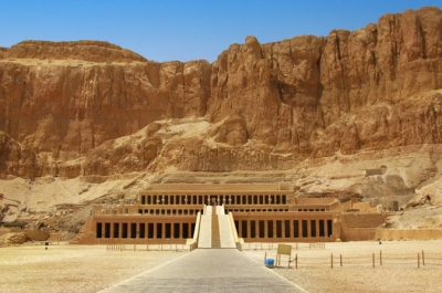 Day Tour to Valley of the Kings and Queens Hatshepsut temple